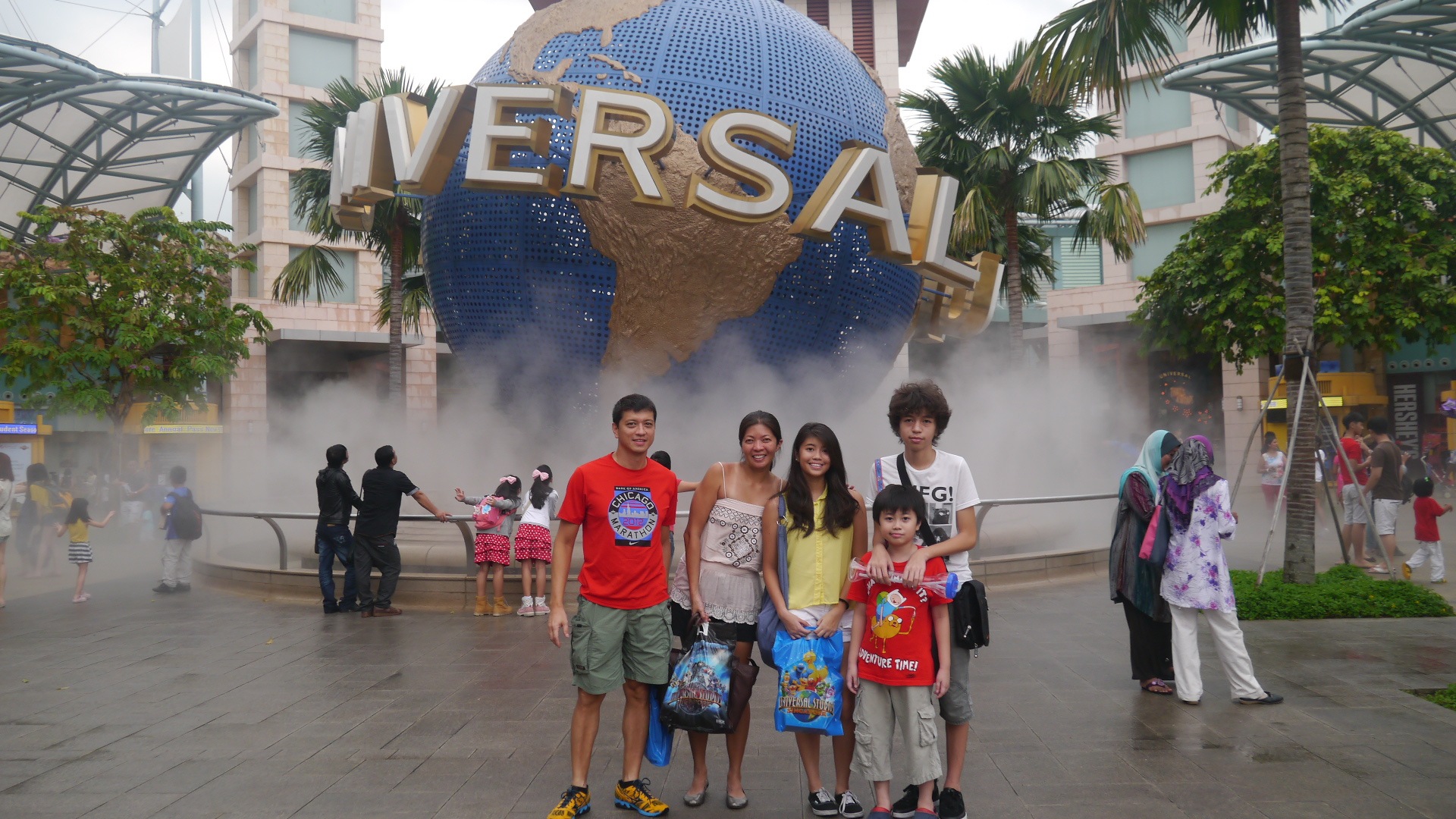 Universal Studios Singapore may not be as big as the the one in Los Angeles, but the fun was just the same!